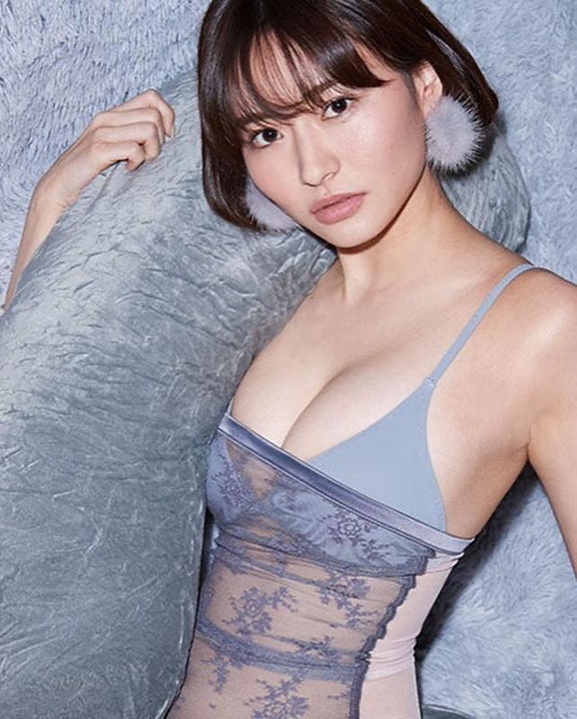グラビアアイドル写真集|プレイボーイでもグラビアを飾った桜田茉央ちゃんの画像まとめ