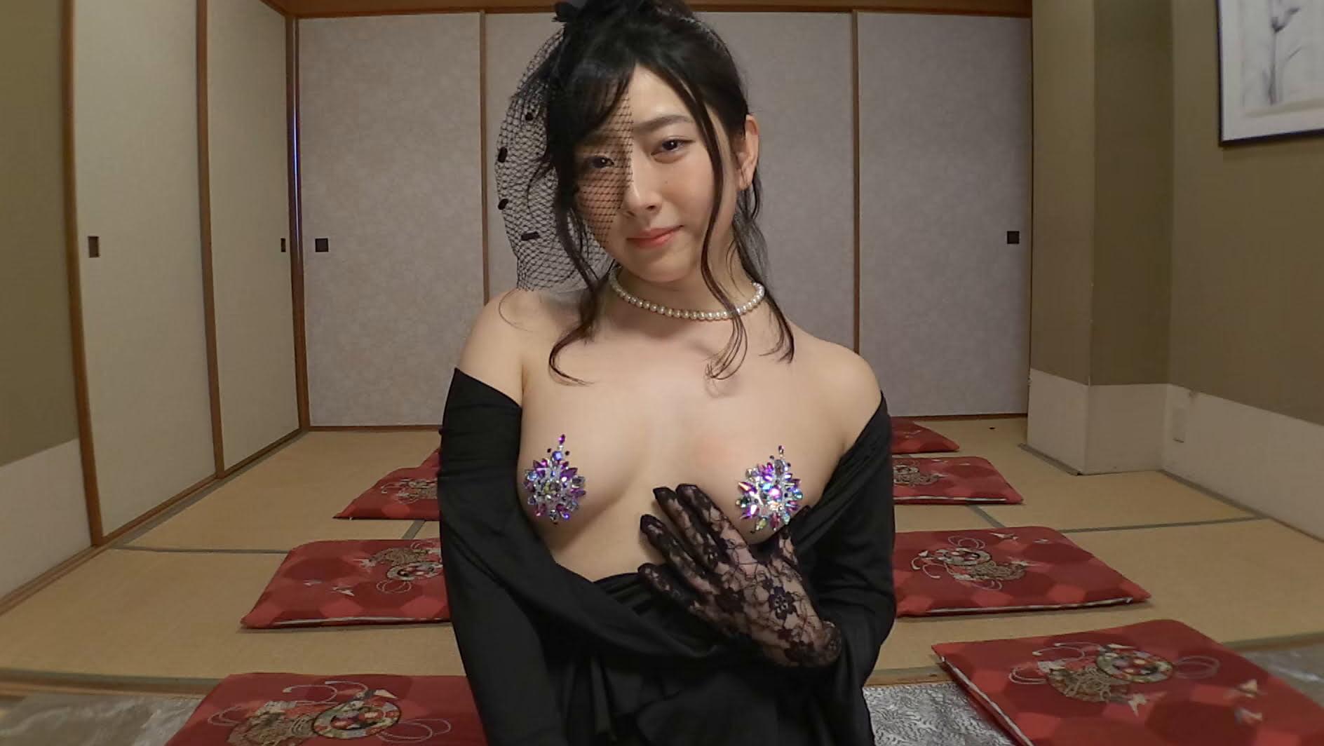 グラビアアイドルGIF画像 脱がないだけのav→TABOO 加藤圭.webm画像