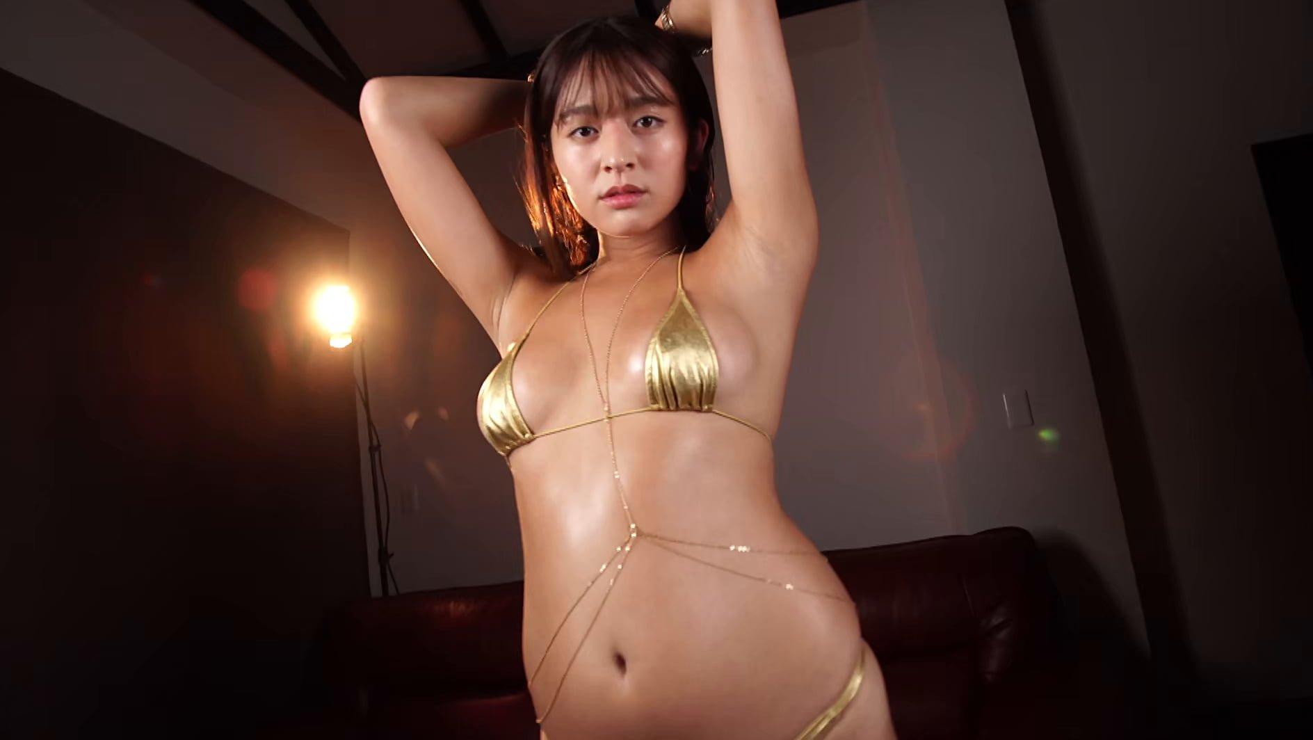 グラビアアイドルGIF画像|IVの新時代到来!!→日焼けした彼女をずっと忘れない 徳江かな.webm画像