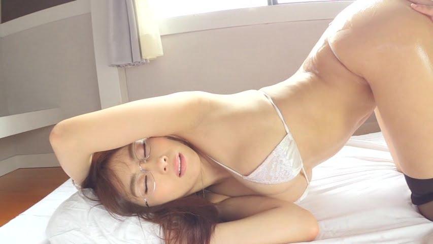 グラビアIVGIF画像|花びら 森咲智美のギフ・ジフと画像