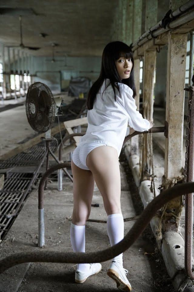 グラビアアイドル写真集|Hカップスレンダー美人の星名美津紀ちゃんのグラビア・水着画像まとめ画像パート18 100枚