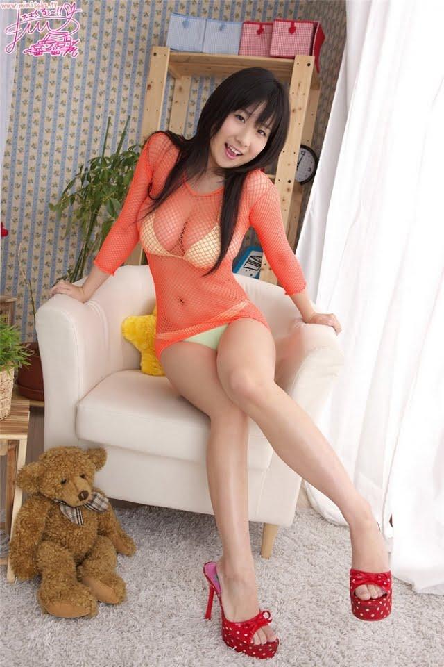 グラビアアイドル写真集 Jカップの桐山瑠衣ちゃんのグラビア・水着まとめ画像パート5 100枚