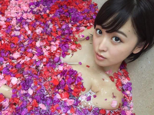 グラビアアイドル写真集|スレンダーGカップの忍野さらちゃんのグラビア・水着まとめ画像パート1 100枚