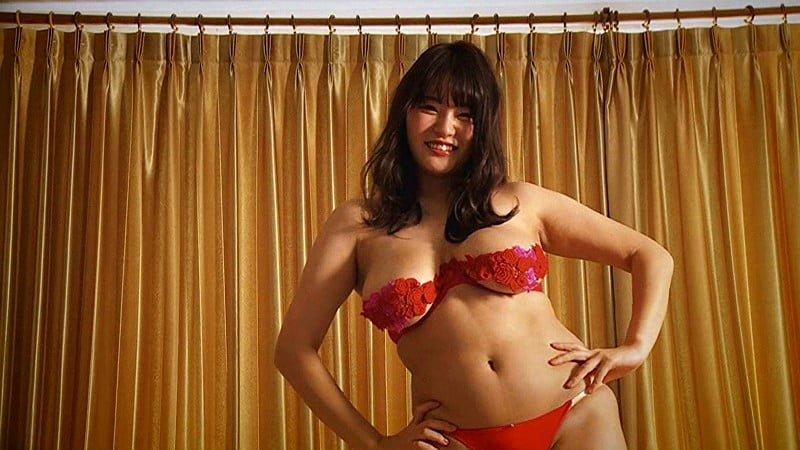 グラビアアイドルGIF画像|爆乳むっちりボディのHカップの彼方美紅ちゃんの豊満ボディが味わえる彼方美紅GIF画像・動画