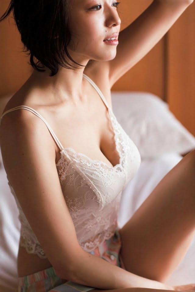 グラビアアイドル写真集|Fカップのおっぱいと長い手足が素敵な中村静香ちゃんのまとめ画像パート16 100枚Number1401-1500