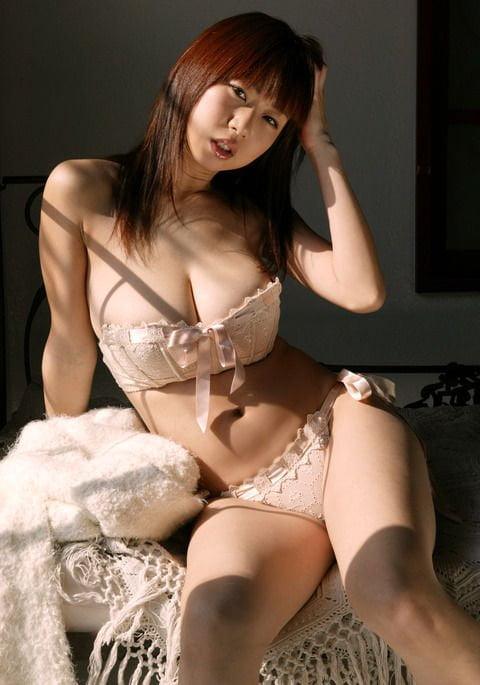 グラビアアイドル写真集 元祖Jカップグラドルの夏目理緒ちゃんのグラビアまとめパート1 100枚Number001-100