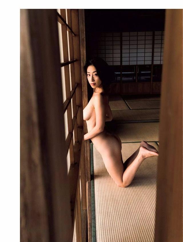 グラビアアイドル画像|坂田米米子に改名した佐藤寛子時代のグラビア画像とヌード画像とヘアヌード画像を総まとめパート1 100枚