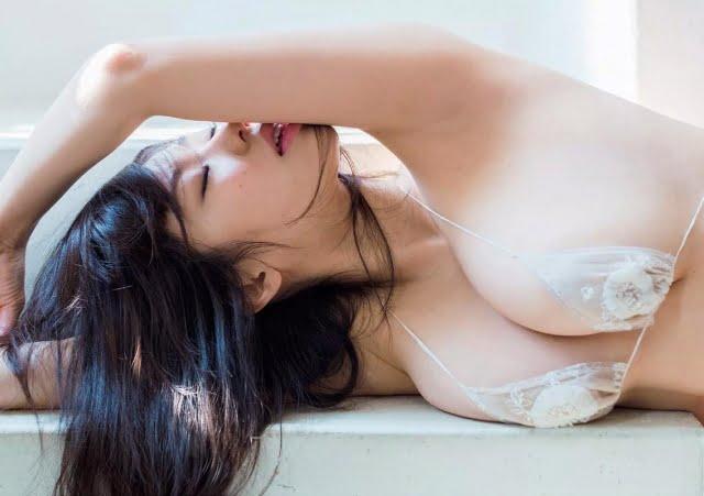 グラビアアイドル写真集|Iカップのフミナップル事の鈴木ふみ奈ちゃんのまとめ画像パート1 100枚Number001-100