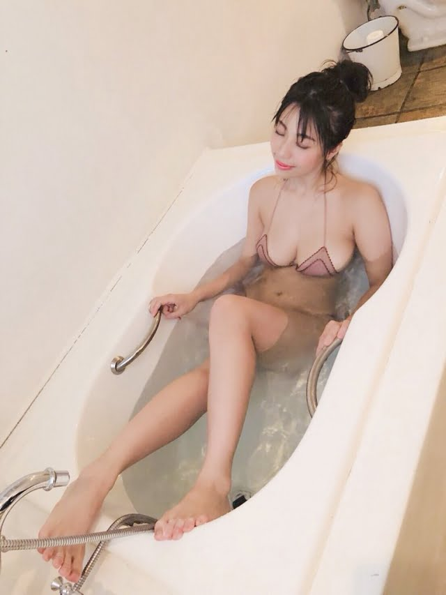 グラビアアイドル写真集 Iカップのフミナップル事の鈴木ふみ奈ちゃんのまとめ画像パート1 100枚Number001-100