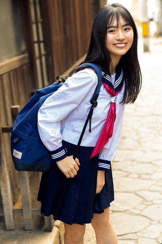 グラビアアイドル画像|現役高校生のEカップ巨乳で話題のルナちゃんこと豊田ルナのグラビア写真まとめ1 100枚
