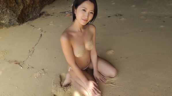 グラビアGIF画像 美ボディお姉さんが見せる疑似エロの数々→宮崎華帆ギフ画像