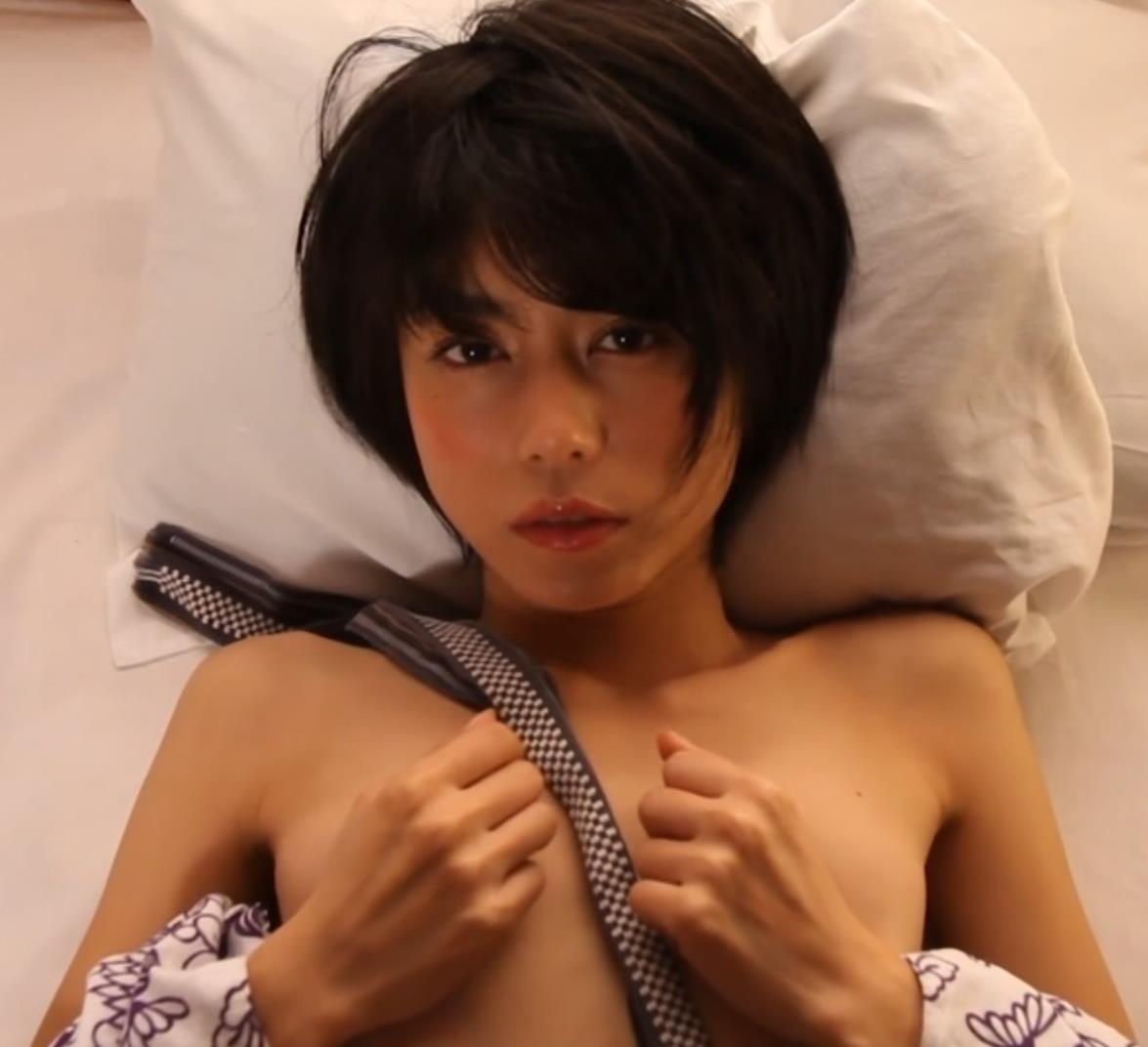 グラビアアイドルGIF画像 再現ドラマの女王の芳野友美のエロギフ