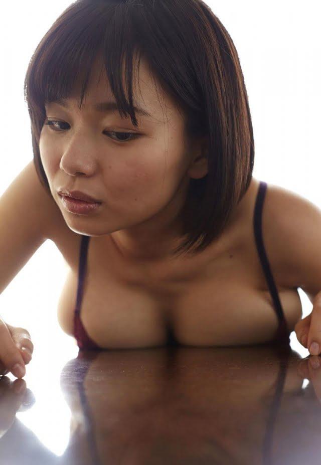 グラビアアイドル写真集 迫力のHカップの和地つかさちゃんのまとめ画像パート1 100枚