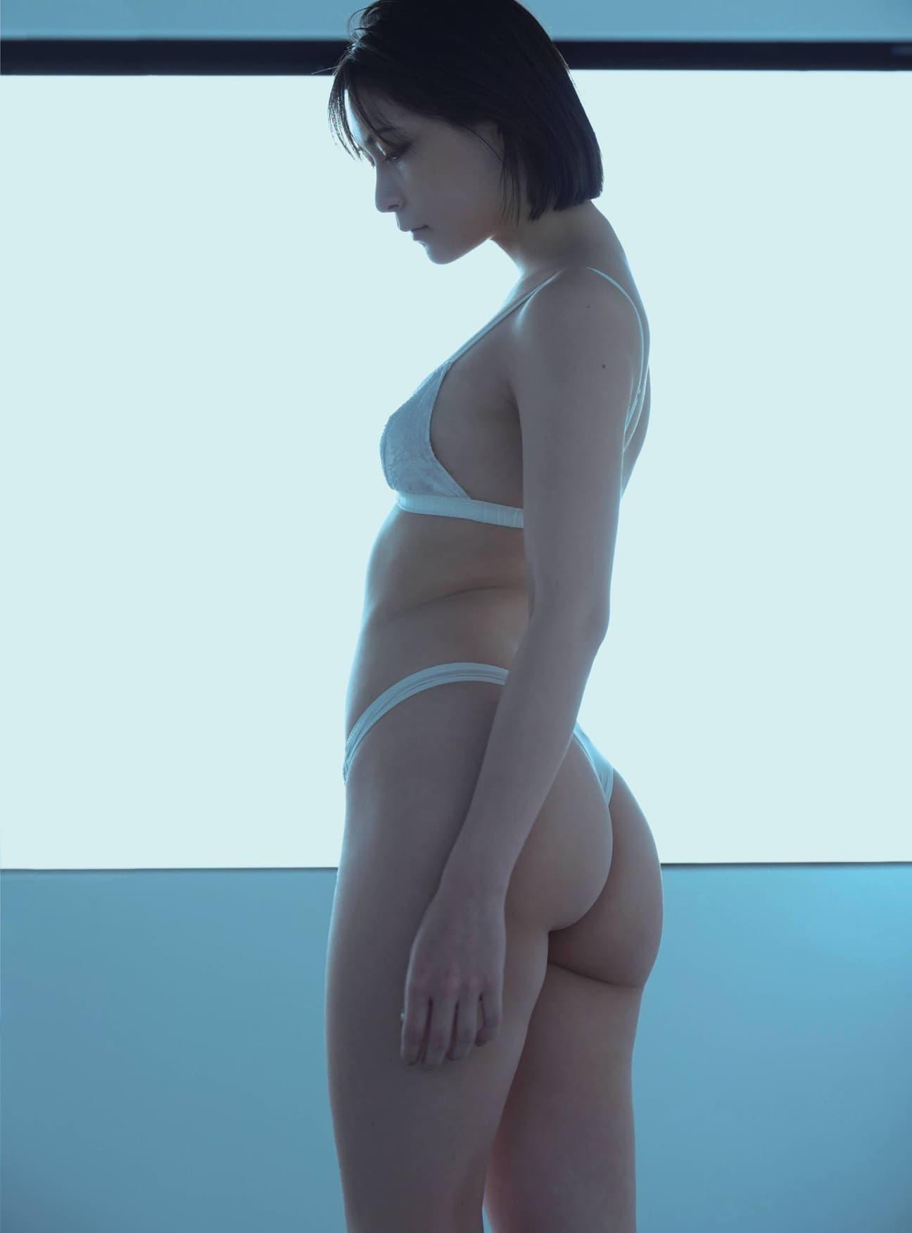 グラビアアイドル写真集 ミステリアスな魅力を持った2.5次元モデルのあまつまりな(あまつ様)グラビア画像まとめ4 100枚