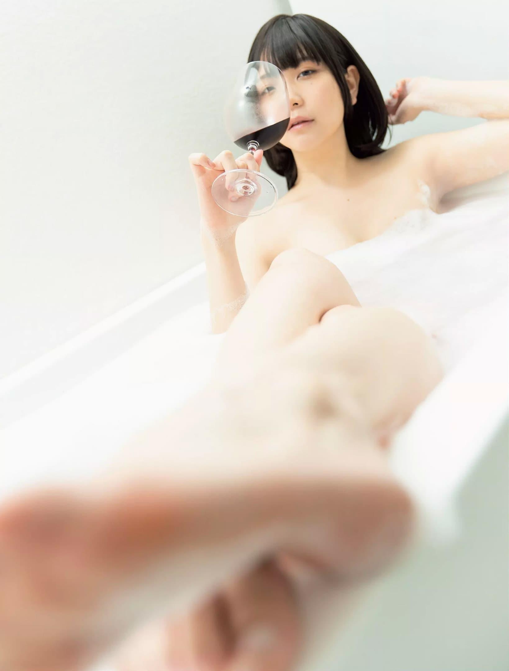 グラビアアイドル写真集|ミステリアスな魅力を持った2.5次元モデルのあまつまりな(あまつ様)グラビア画像まとめ6 78枚