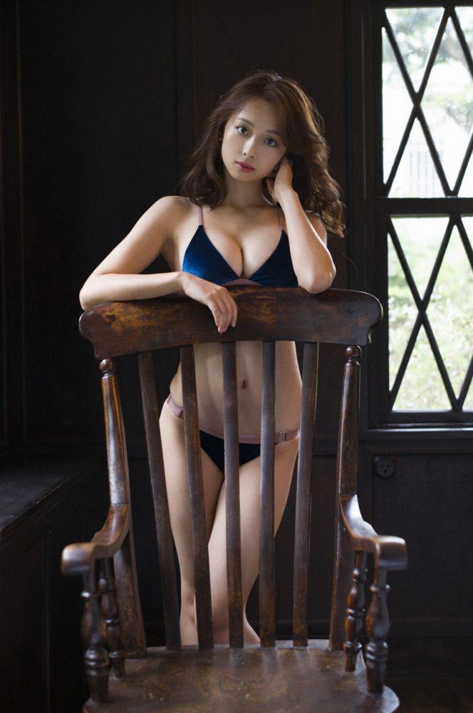 グラビアアイドル写真集|168センチの長身に長い手に抜群のスタイルを持つ華村あすかグラビア画像まとめ2 100枚