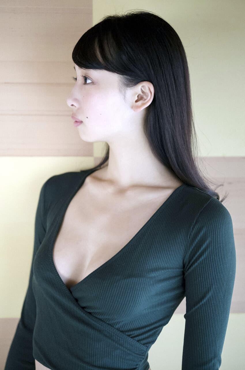 グラビアアイドル写真集 168センチの長身に長い手に抜群のスタイルを持つ華村あすか高画質グラビア画像まとめ5 100枚