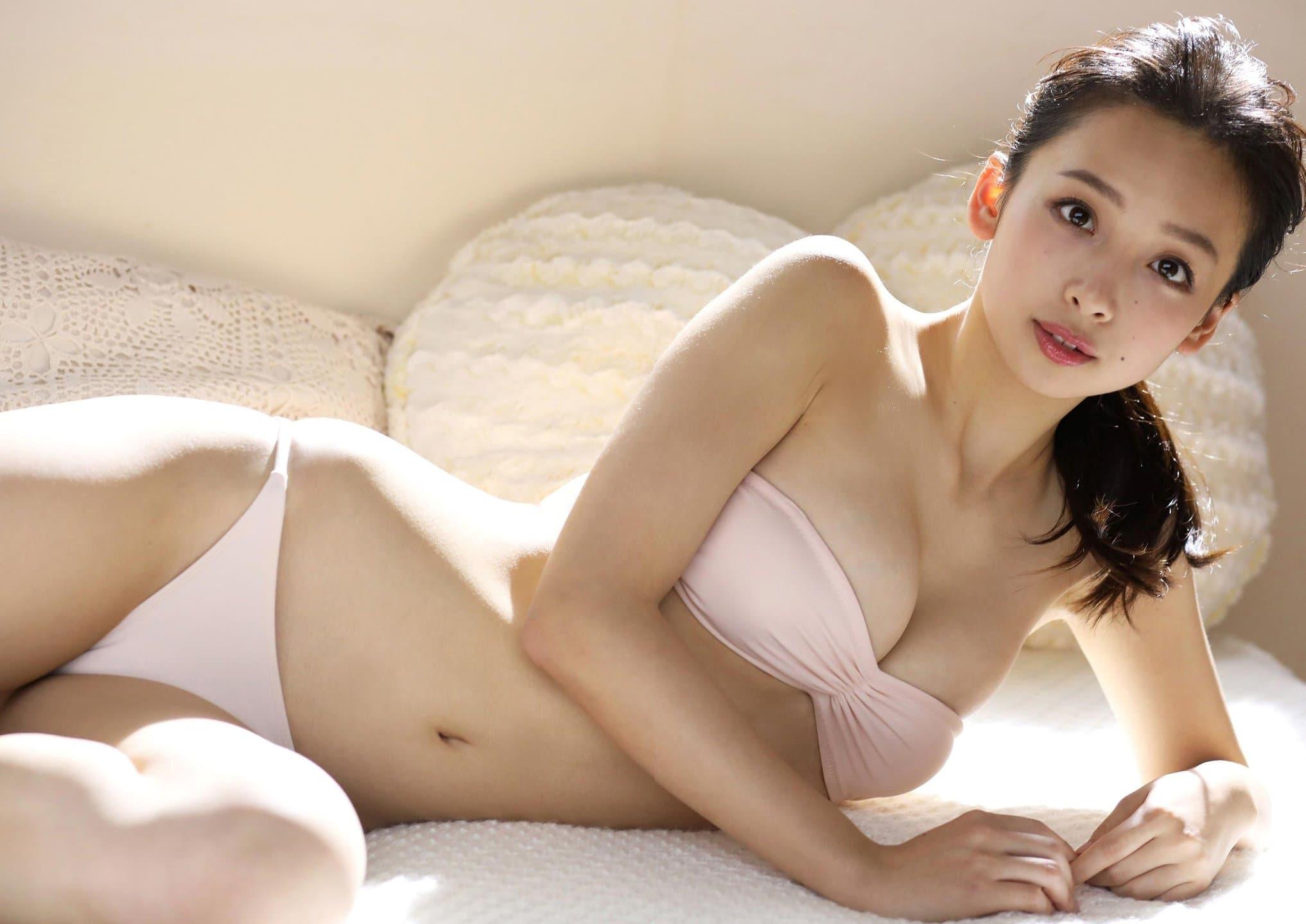 グラビアアイドル写真集|168センチの長身に長い手に抜群のスタイルを持つ華村あすか超高画質グラビア画像まとめ9 100枚