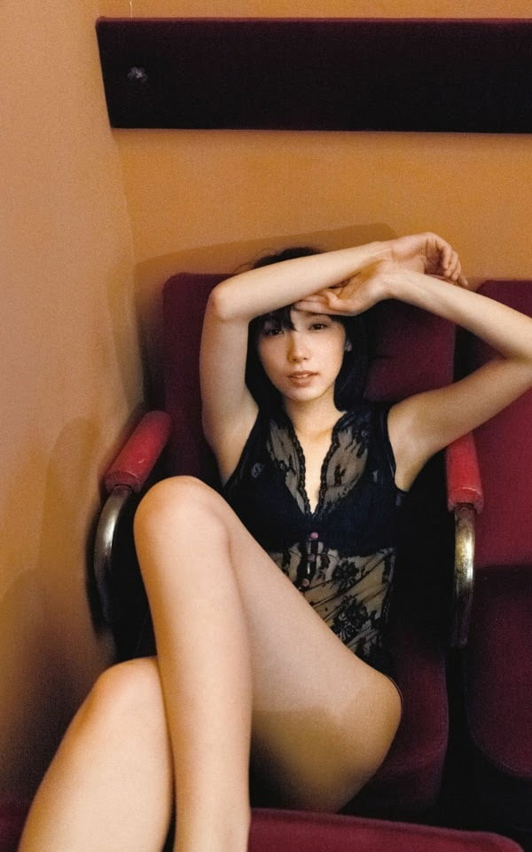 グラビアアイドル写真集 透き通るような肌や美脚が眩しすぎる 飯豊まりえグラビア画像まとめ1 100枚
