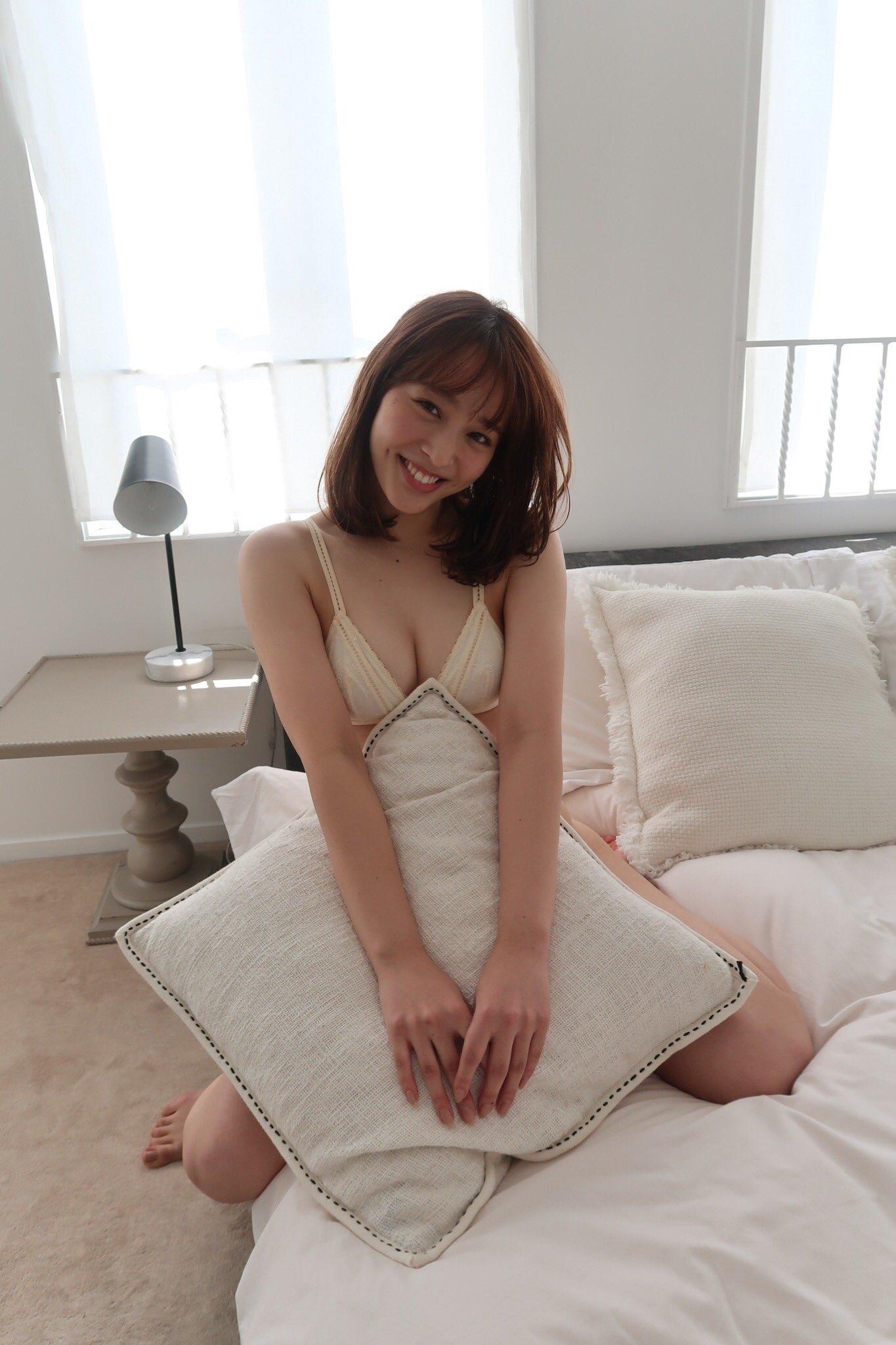 グラビアアイドル写真集|美麗バストのブレイク美女・神部美咲グラビア画像まとめ2 125枚