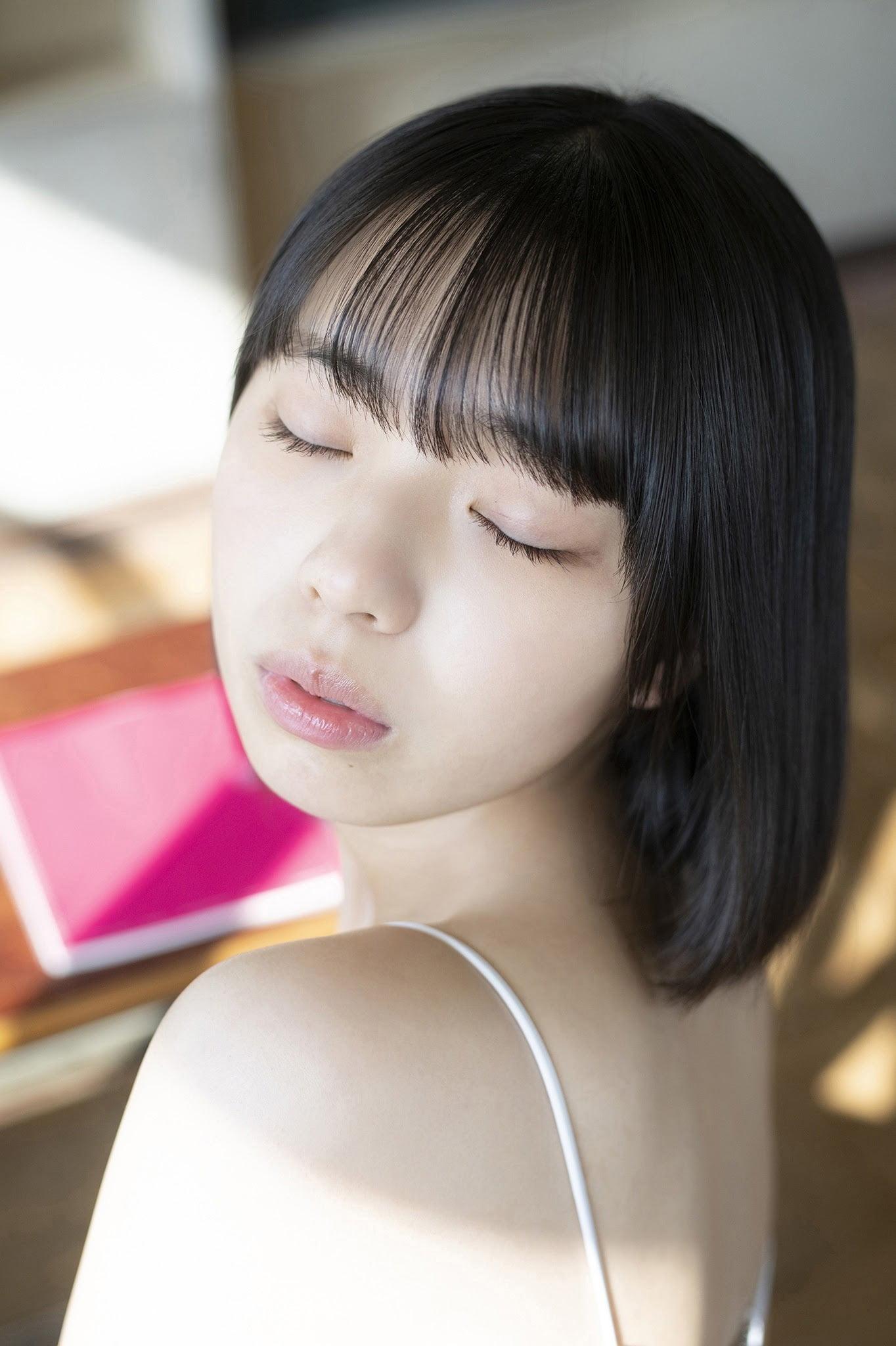 グラビアアイドル写真集 15歳とは思えない均整の取れたスタイルの菊地姫奈高画質グラビア画像まとめ2 100枚