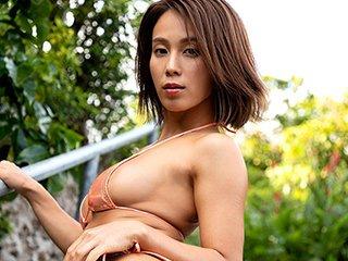 犬童美乃梨グラビアアイドルGIF画像 褐色で腹筋がセクシーなGカップの犬童美乃梨エロギフ