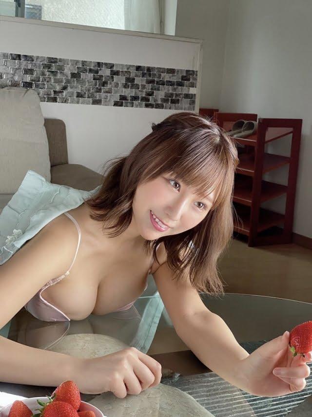 日向葵衣グラビア画像ナンバー051-100