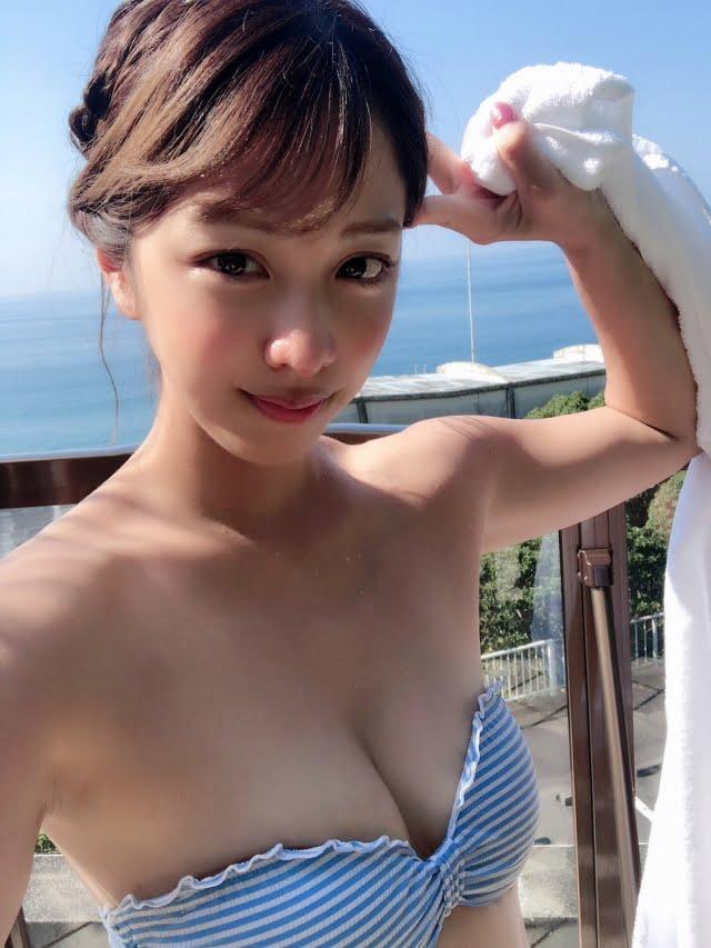 本郷杏奈グラビア画像パート4
